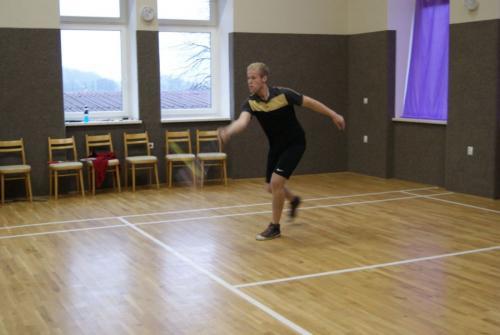 Badmintonový cap o zlatý košík